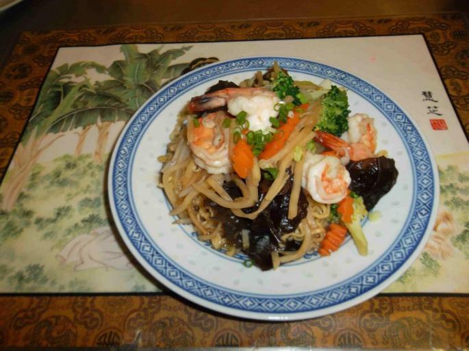 nouilles sautees crevettes